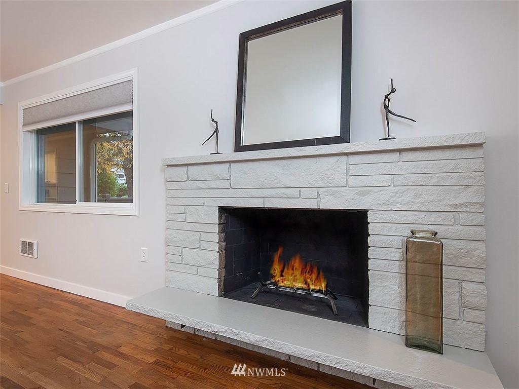 Sold Property | 8804 Corliss Avenue N Seattle, WA 98103 5