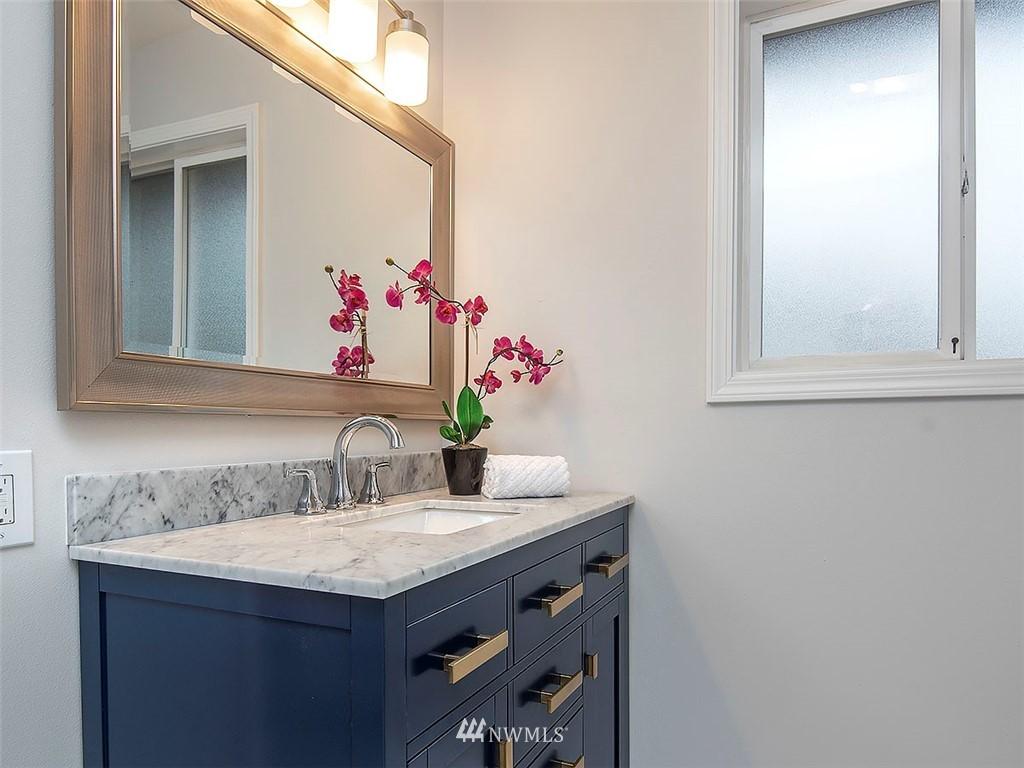 Sold Property | 8804 Corliss Avenue N Seattle, WA 98103 16