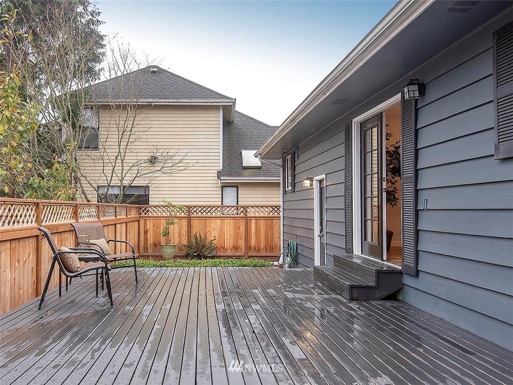 Sold Property | 8804 Corliss Avenue N Seattle, WA 98103 26