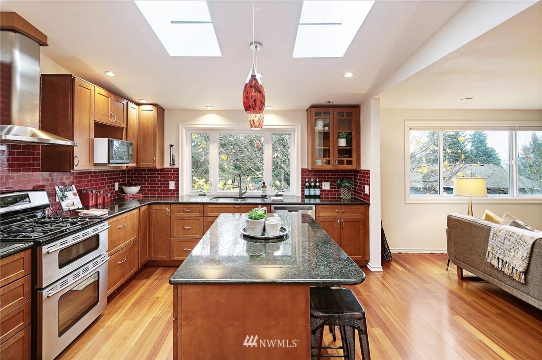 Sold Property | 19230 91st Avenue NE Bothell, WA 98011 6
