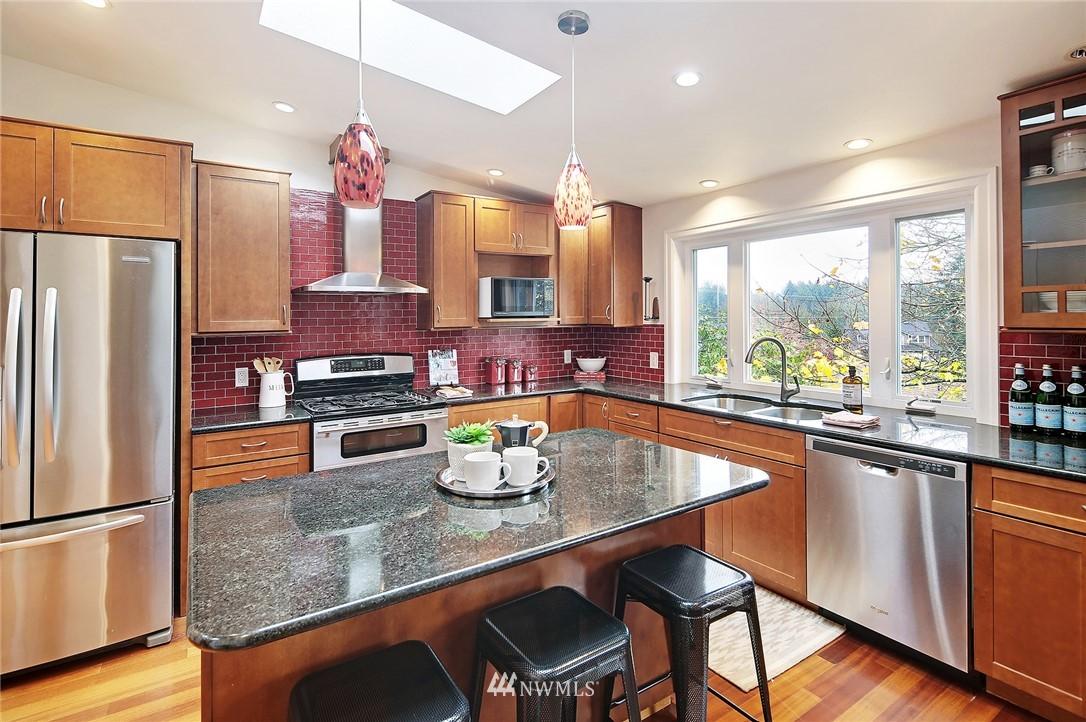 Sold Property | 19230 91st Avenue NE Bothell, WA 98011 7