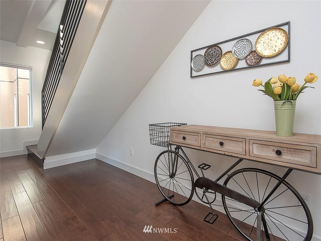 Sold Property   3513 Wallingford Avenue N #C Seattle, WA 98103 11