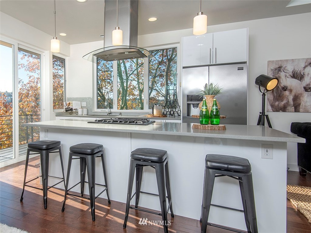 Sold Property   3513 Wallingford Avenue N #C Seattle, WA 98103 7