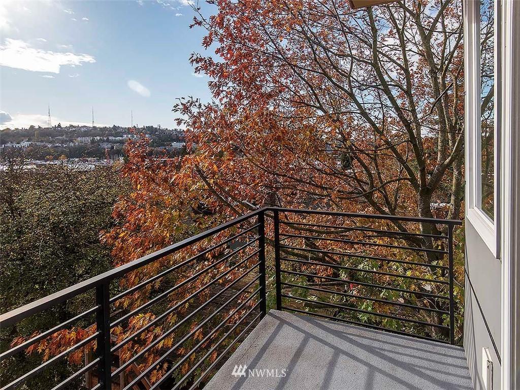 Sold Property   3513 Wallingford Avenue N #C Seattle, WA 98103 10