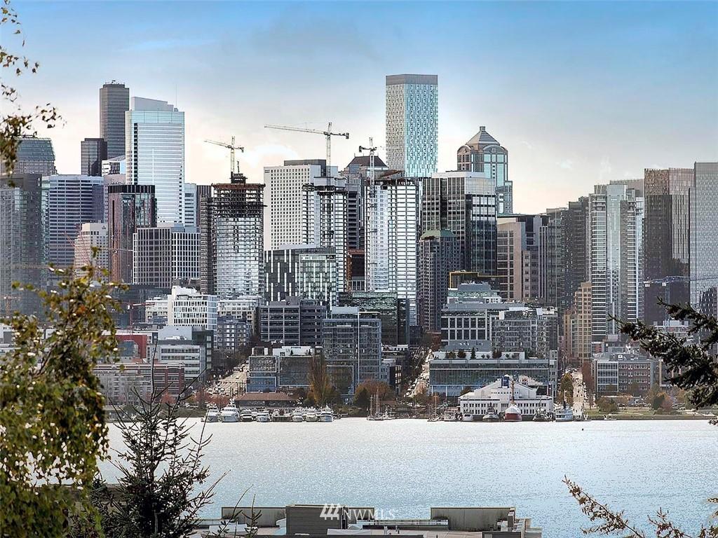 Sold Property   3513 Wallingford Avenue N #C Seattle, WA 98103 23