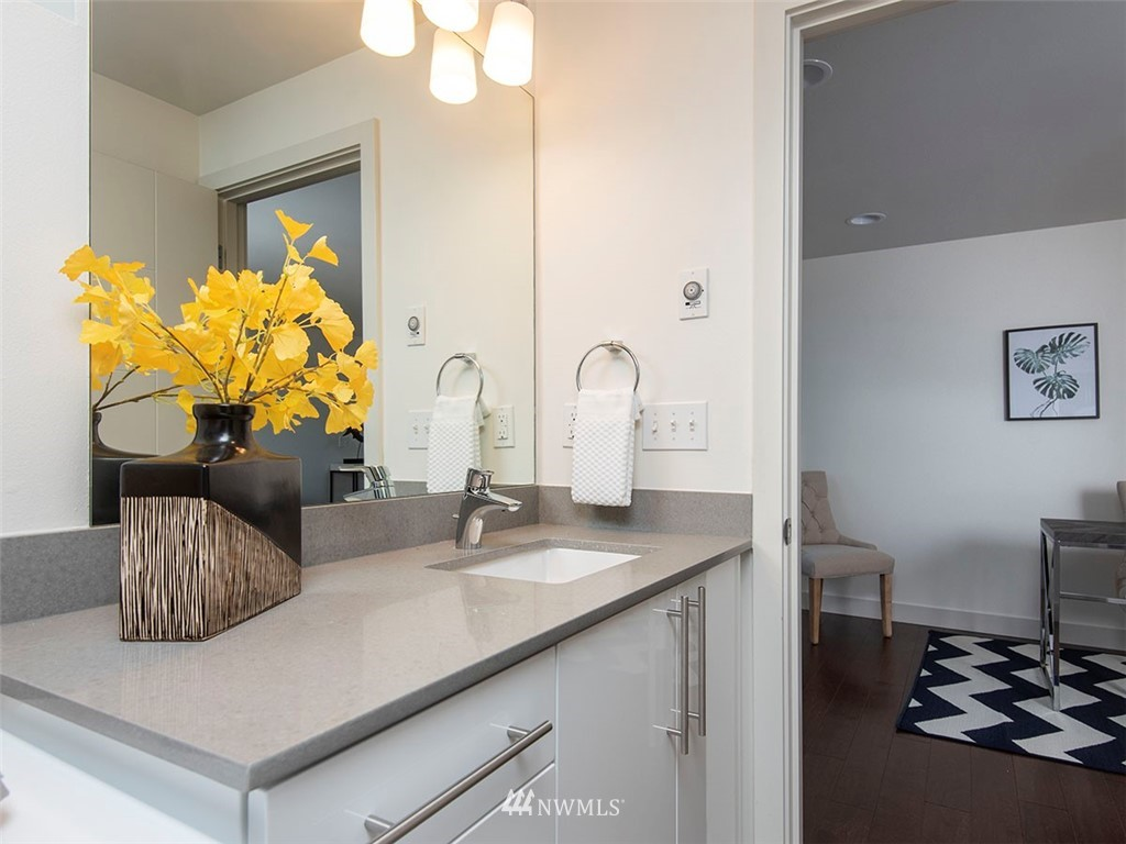 Sold Property   3513 Wallingford Avenue N #C Seattle, WA 98103 16