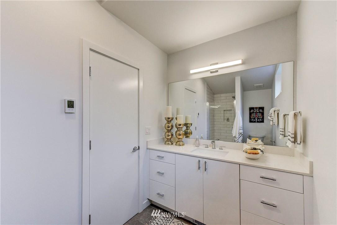 Sold Property | 3940 S Brandon Street #B Seattle, WA 98118 8