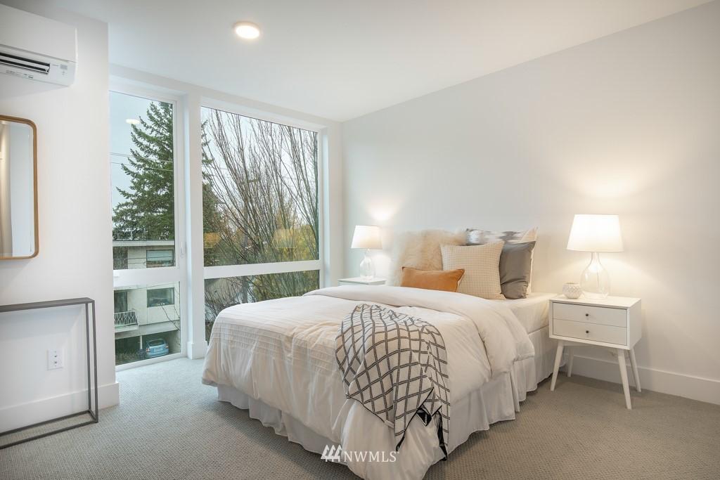 Sold Property | 7024 Greenwood Avenue N Seattle, WA 98117 10