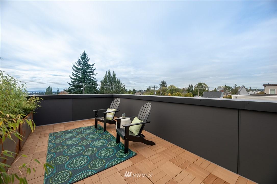 Sold Property | 7024 Greenwood Avenue N Seattle, WA 98117 14