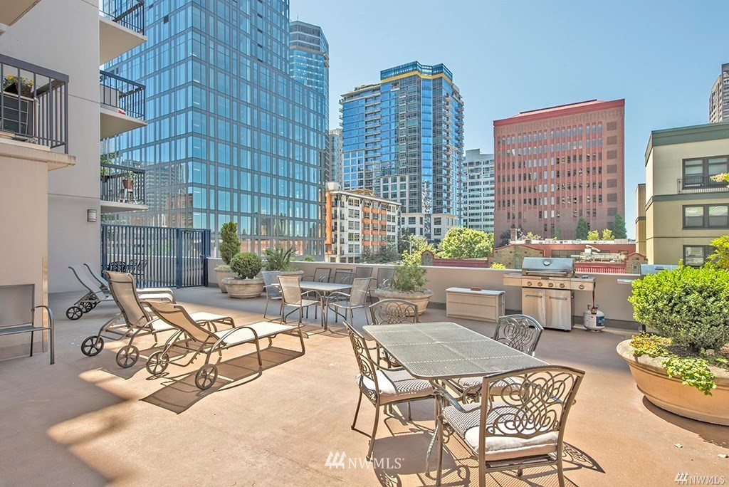 Sold Property | 2100 3rd Avenue #406 Seattle, WA 98121 15