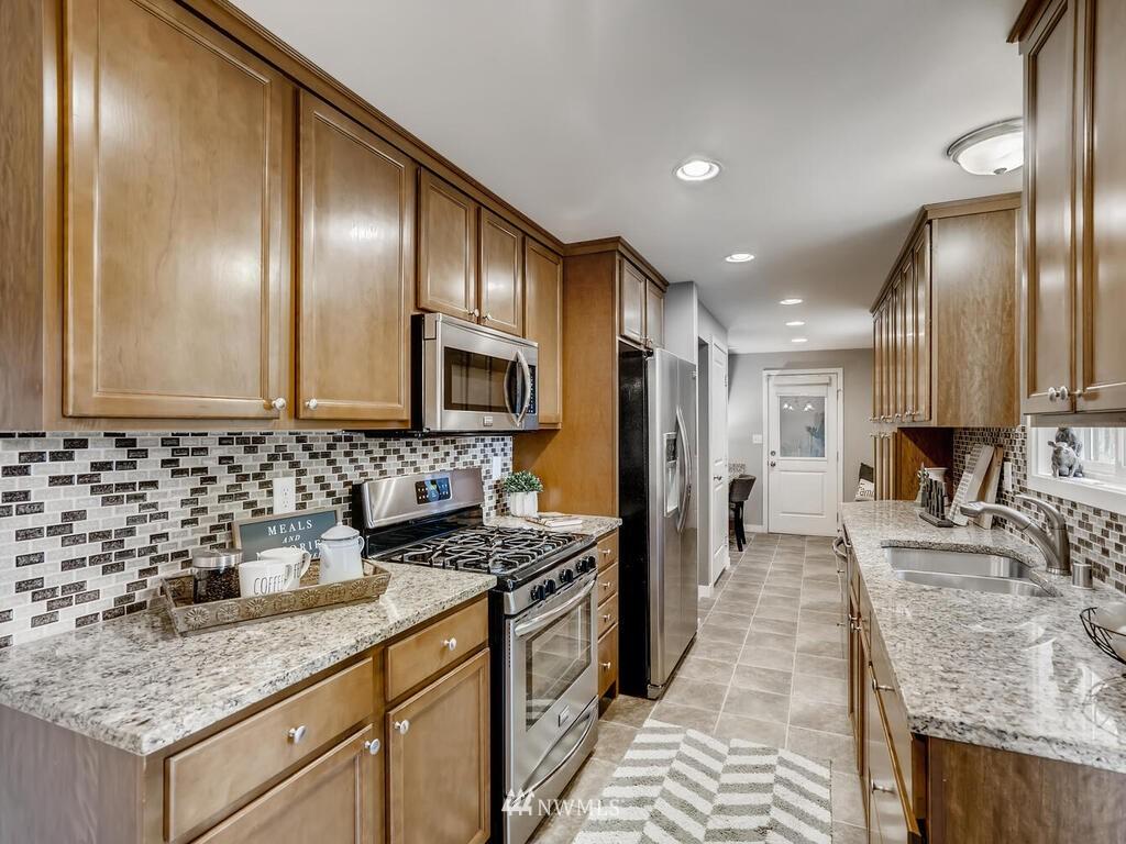 Sold Property | 9306 217th Street SW Edmonds, WA 98020 2