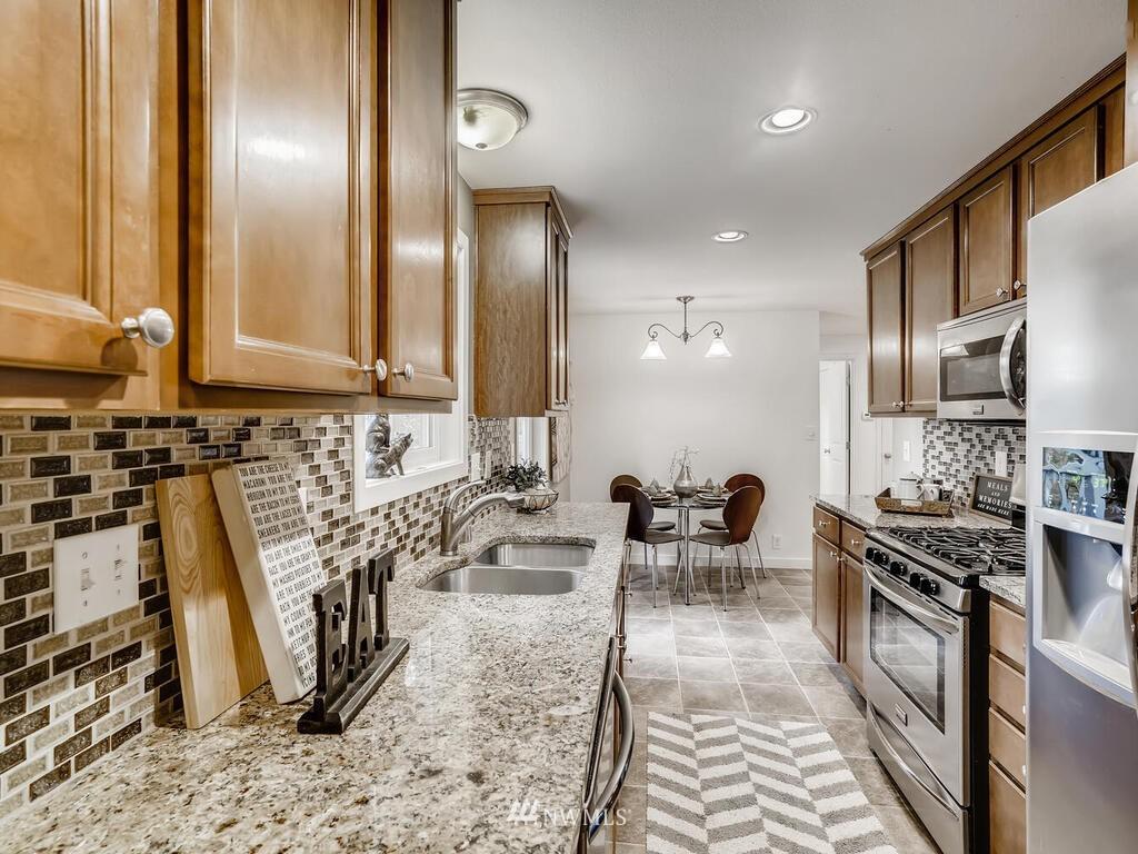Sold Property | 9306 217th Street SW Edmonds, WA 98020 6