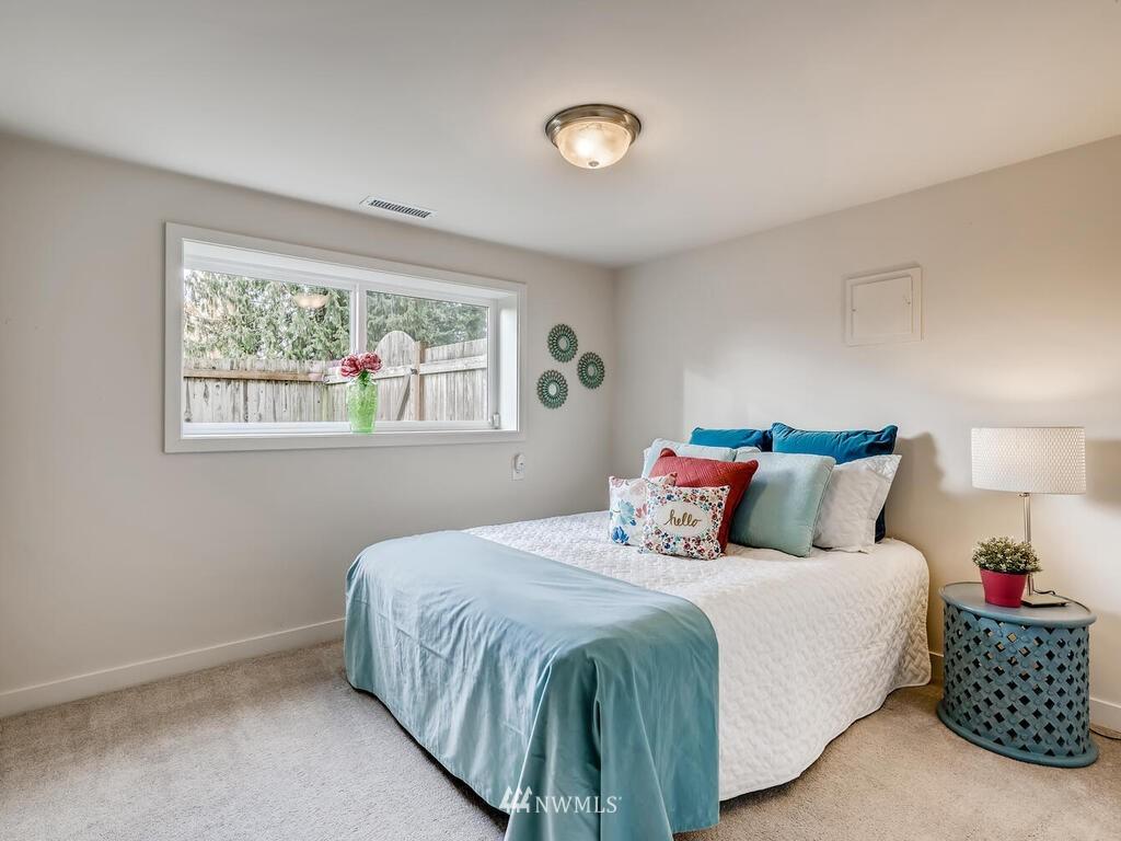 Sold Property | 9306 217th Street SW Edmonds, WA 98020 14