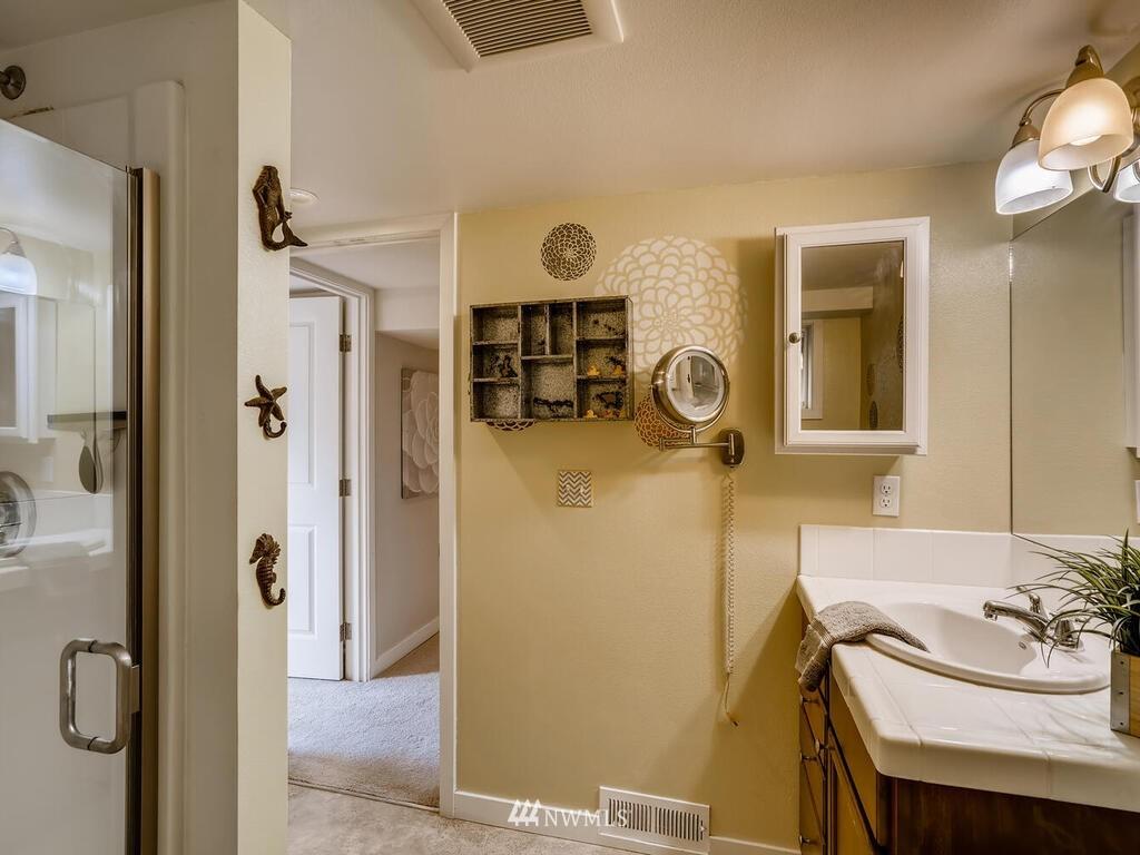 Sold Property | 9306 217th Street SW Edmonds, WA 98020 16