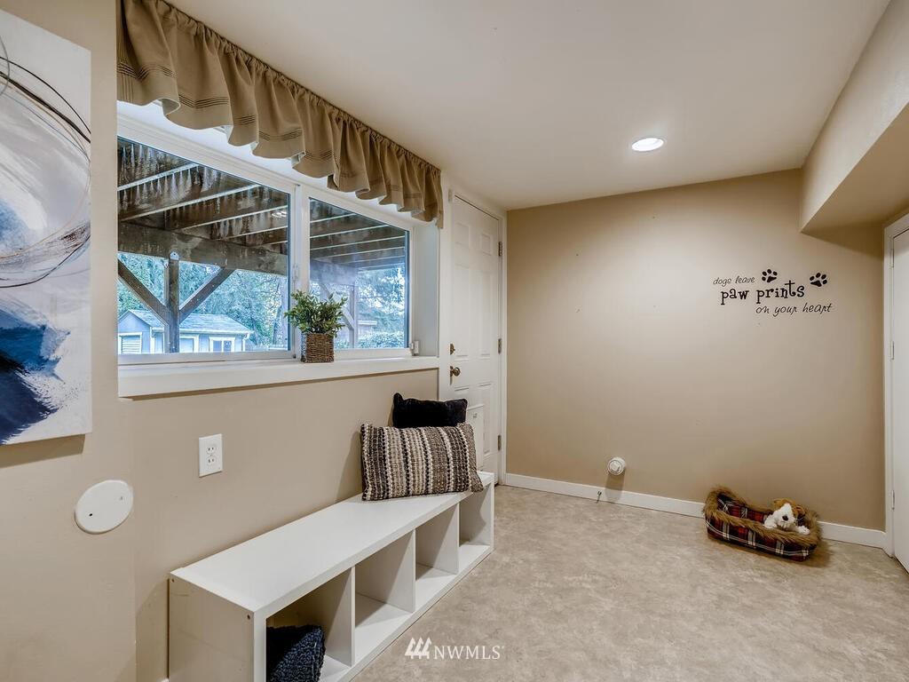 Sold Property | 9306 217th Street SW Edmonds, WA 98020 18