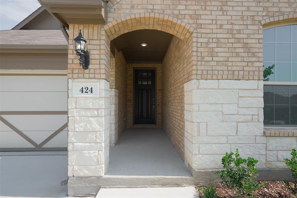 Active | 424 Pheasant Hill Lane Fort Worth, Texas 76028 4