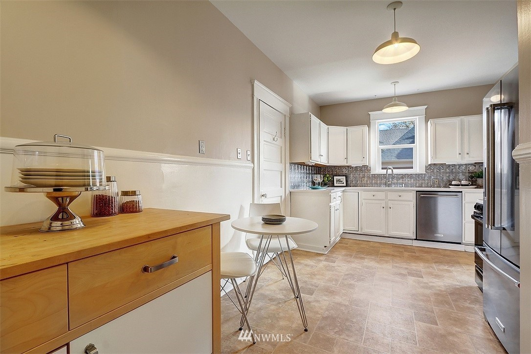 Sold Property | 3048 NW 58th Street Seattle, WA 98107 10