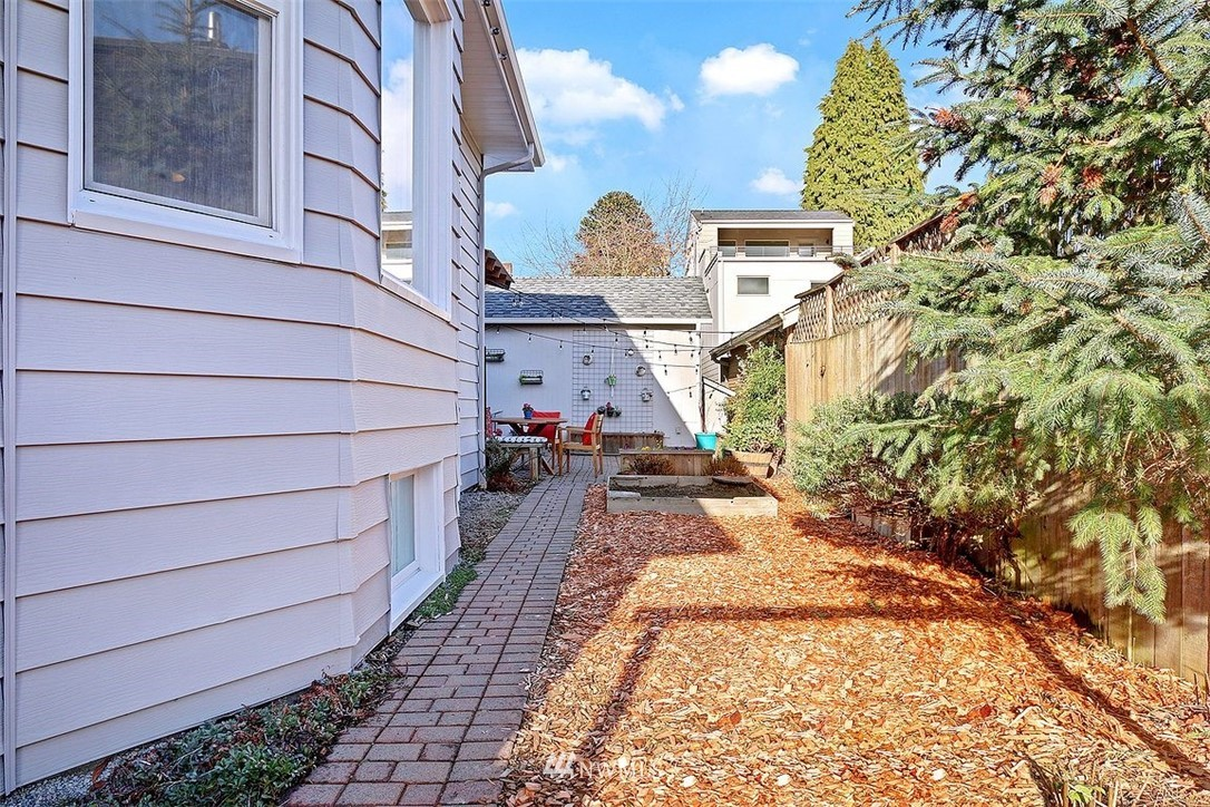 Sold Property | 3048 NW 58th Street Seattle, WA 98107 27