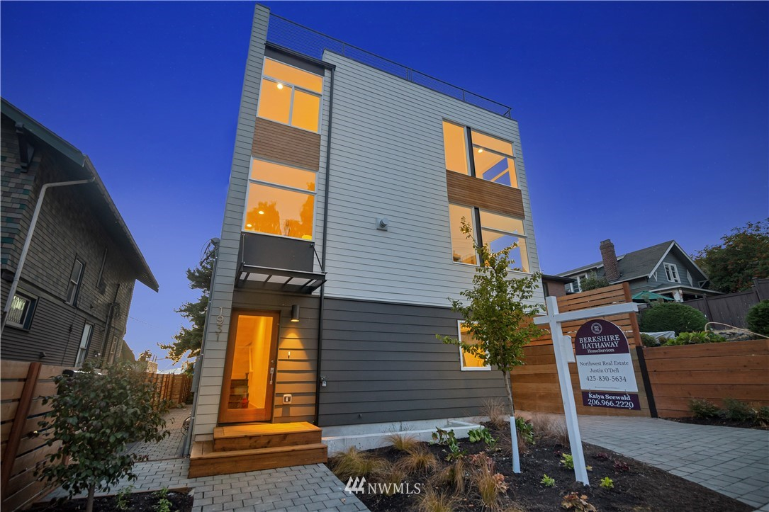 Sold Property   1931 10th Avenue W Seattle, WA 98119 27