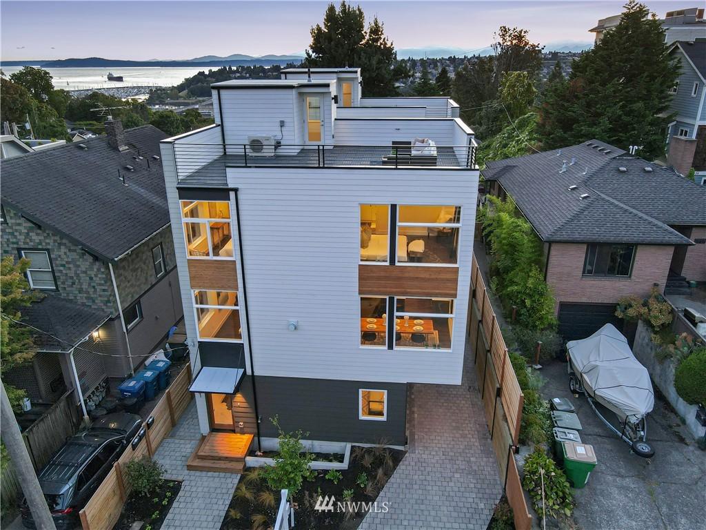 Sold Property   1931 10th Avenue W Seattle, WA 98119 23