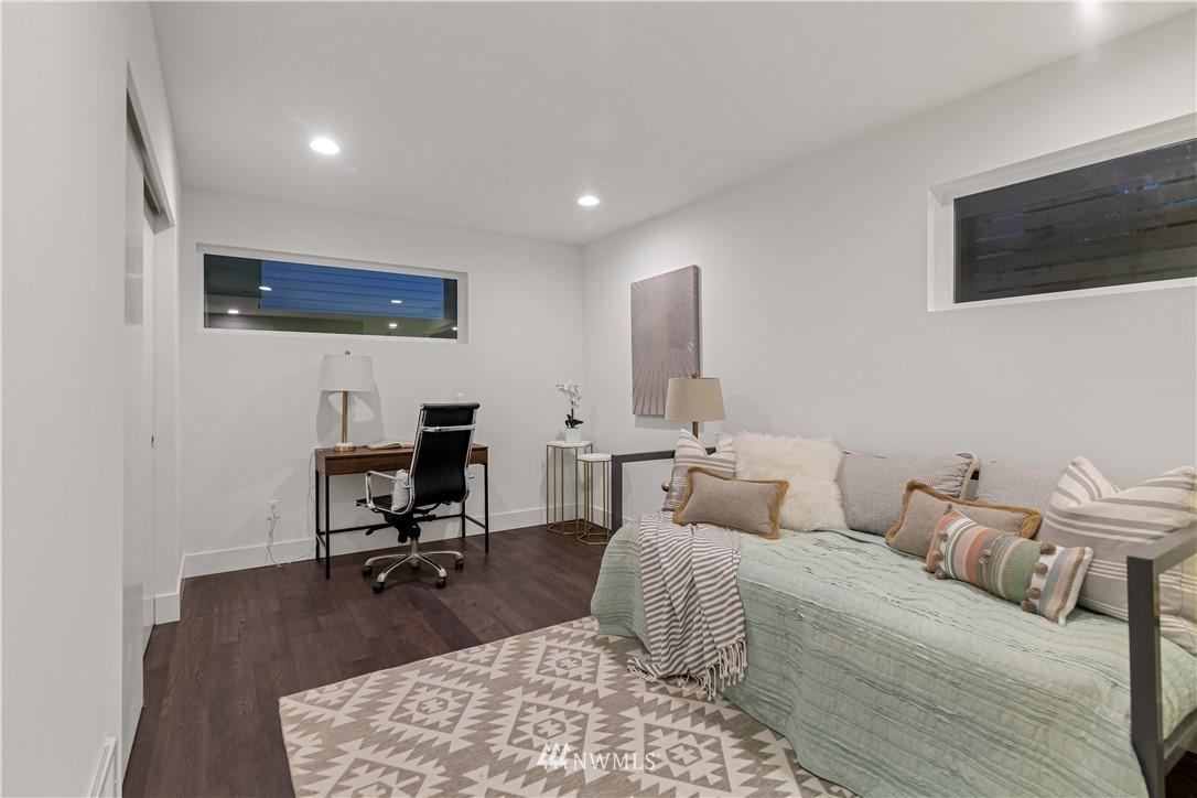 Sold Property   1931 10th Avenue W Seattle, WA 98119 3