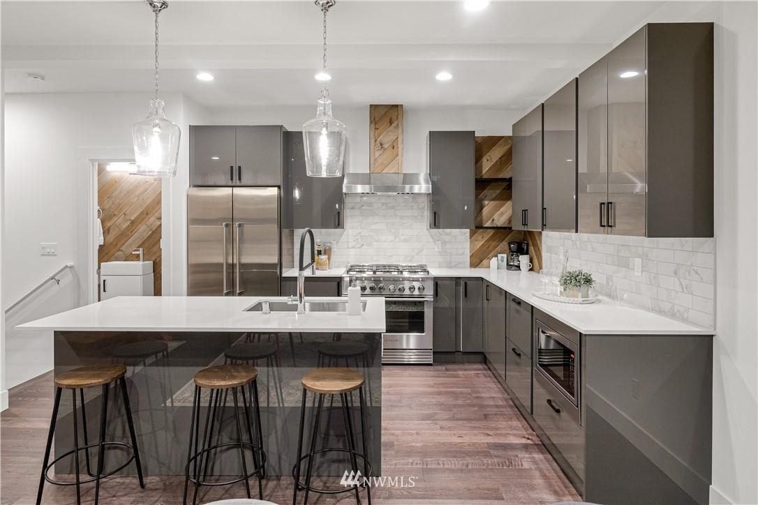 Sold Property   1931 10th Avenue W Seattle, WA 98119 1