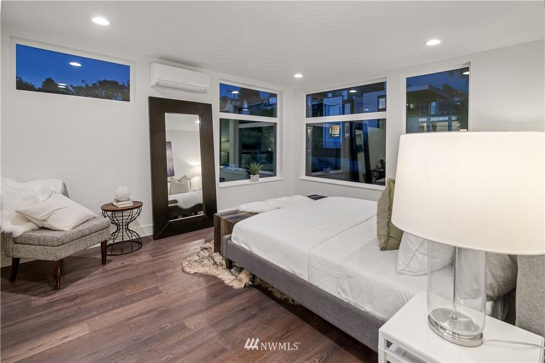 Sold Property   1931 10th Avenue W Seattle, WA 98119 11