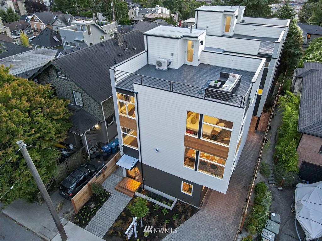 Sold Property   1931 10th Avenue W Seattle, WA 98119 24