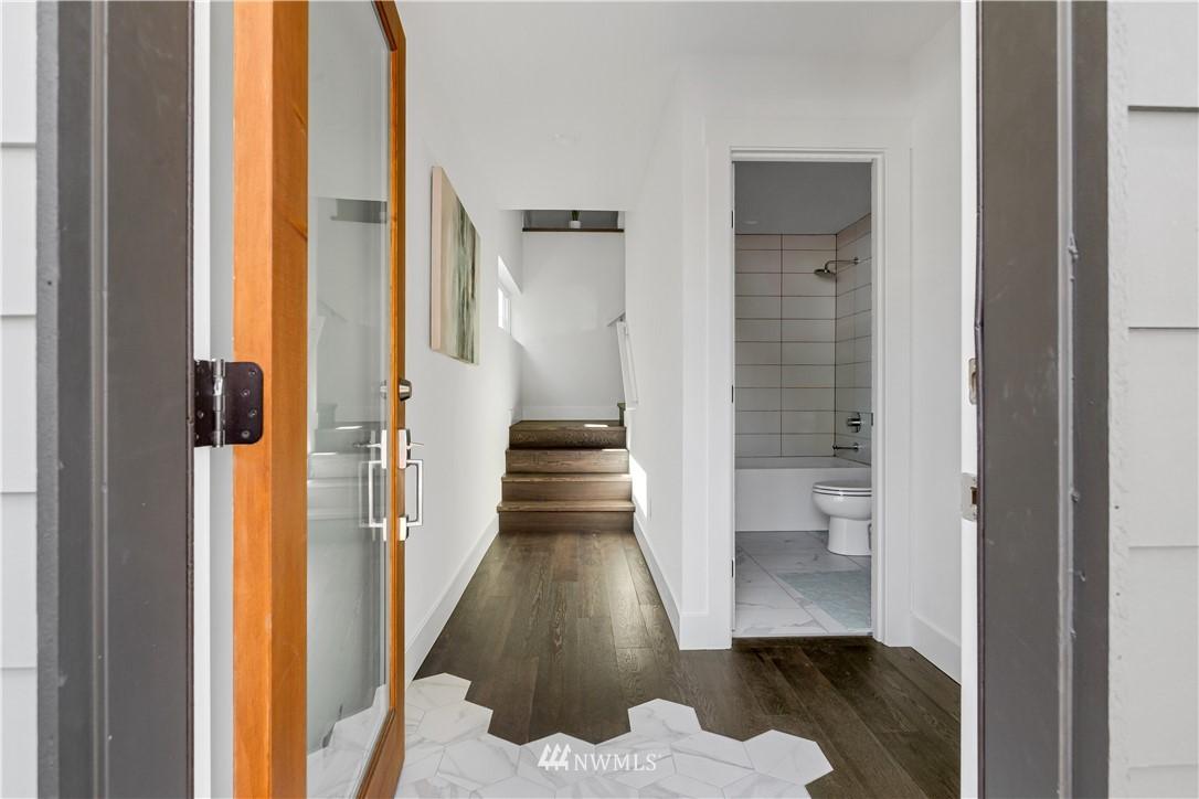 Sold Property   1931 10th Avenue W Seattle, WA 98119 20