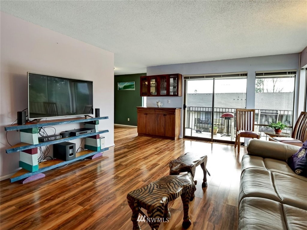 3 Bedroom Condo in Seattle | 13229 Linden Avenue N #405B Seattle, WA 98133 16