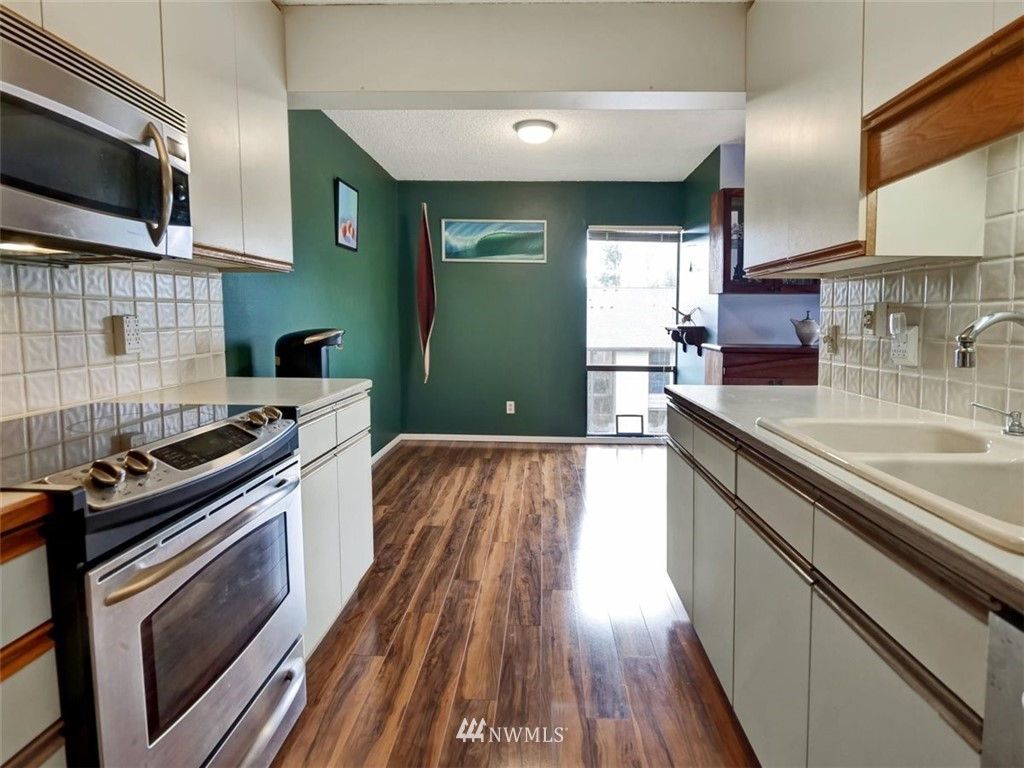 3 Bedroom Condo in Seattle | 13229 Linden Avenue N #405B Seattle, WA 98133 20