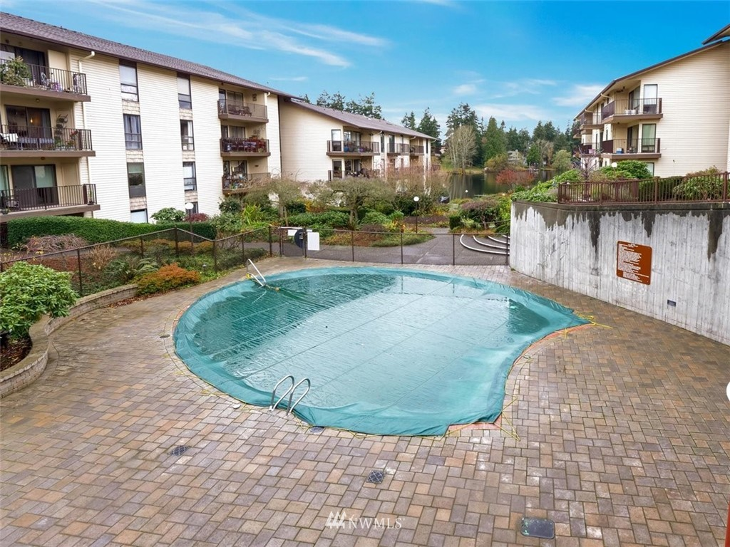 3 Bedroom Condo in Seattle | 13229 Linden Avenue N #405B Seattle, WA 98133 47