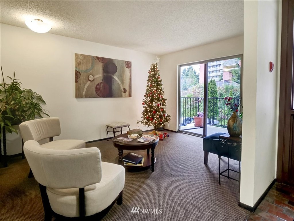 3 Bedroom Condo in Seattle | 13229 Linden Avenue N #405B Seattle, WA 98133 51