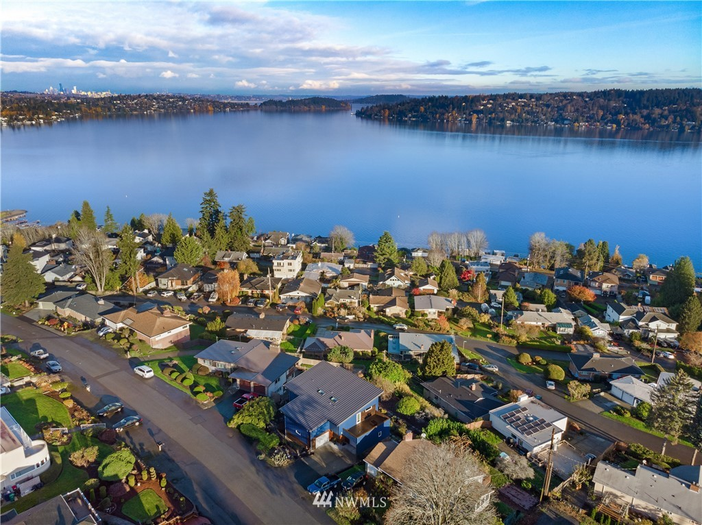 Sold Property   10434 Forest Avenue S Seattle, WA 98178 28