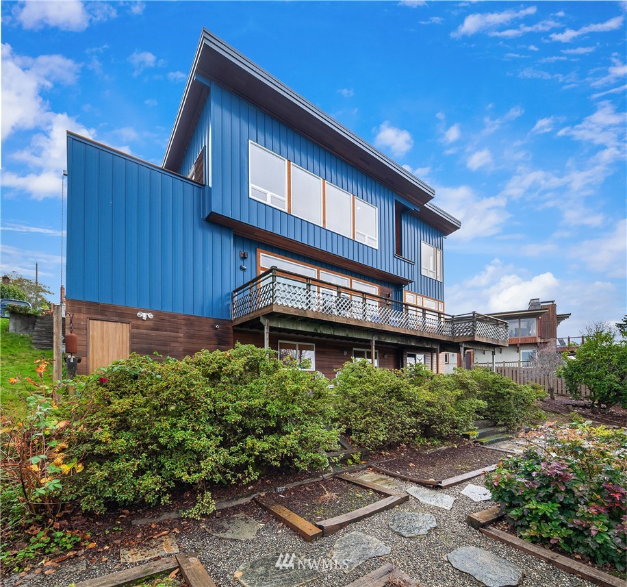 Sold Property   10434 Forest Avenue S Seattle, WA 98178 2