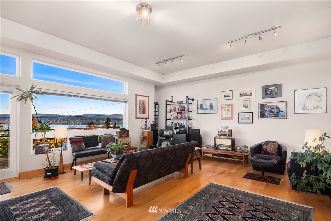 Sold Property   10434 Forest Avenue S Seattle, WA 98178 4