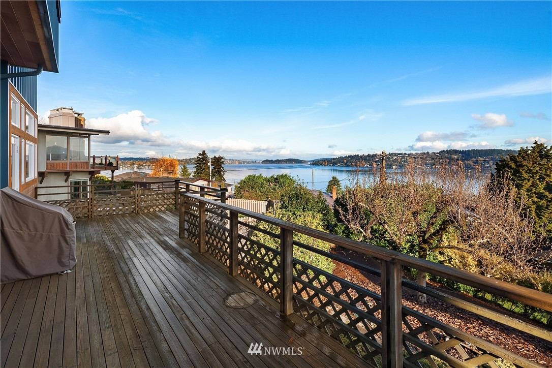 Sold Property   10434 Forest Avenue S Seattle, WA 98178 6