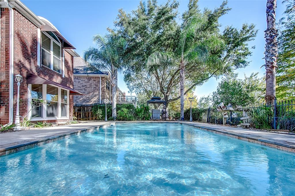 Option Pending | 171 S Hall Drive Sugar Land, Texas 77478 32