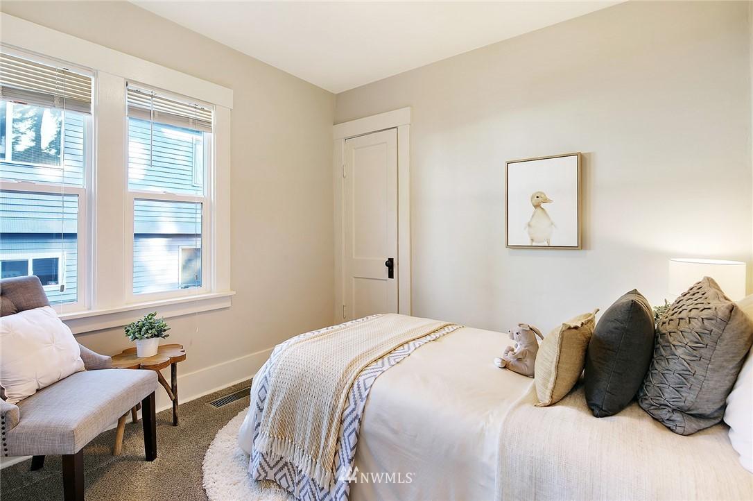 Sold Property | 10514 Dayton Avenue N Seattle, WA 98133 10