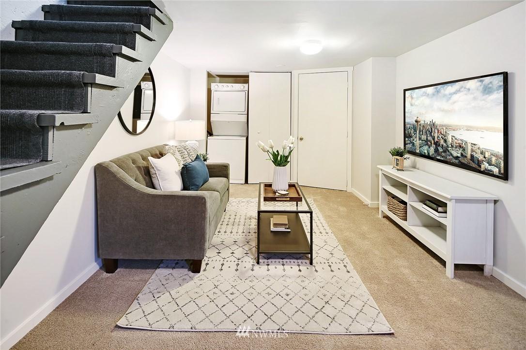 Sold Property | 10514 Dayton Avenue N Seattle, WA 98133 13