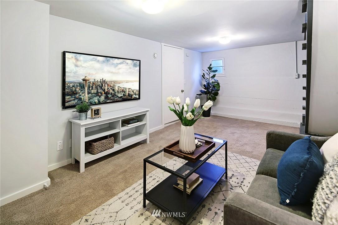 Sold Property | 10514 Dayton Avenue N Seattle, WA 98133 12