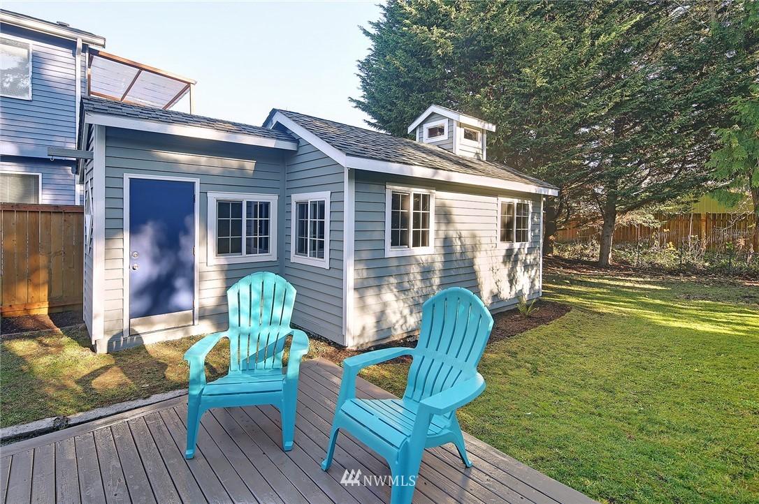 Sold Property | 10514 Dayton Avenue N Seattle, WA 98133 15