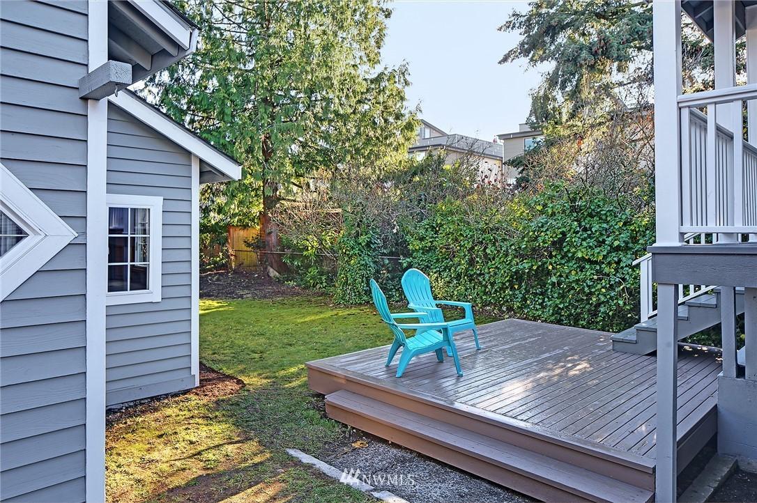 Sold Property | 10514 Dayton Avenue N Seattle, WA 98133 16