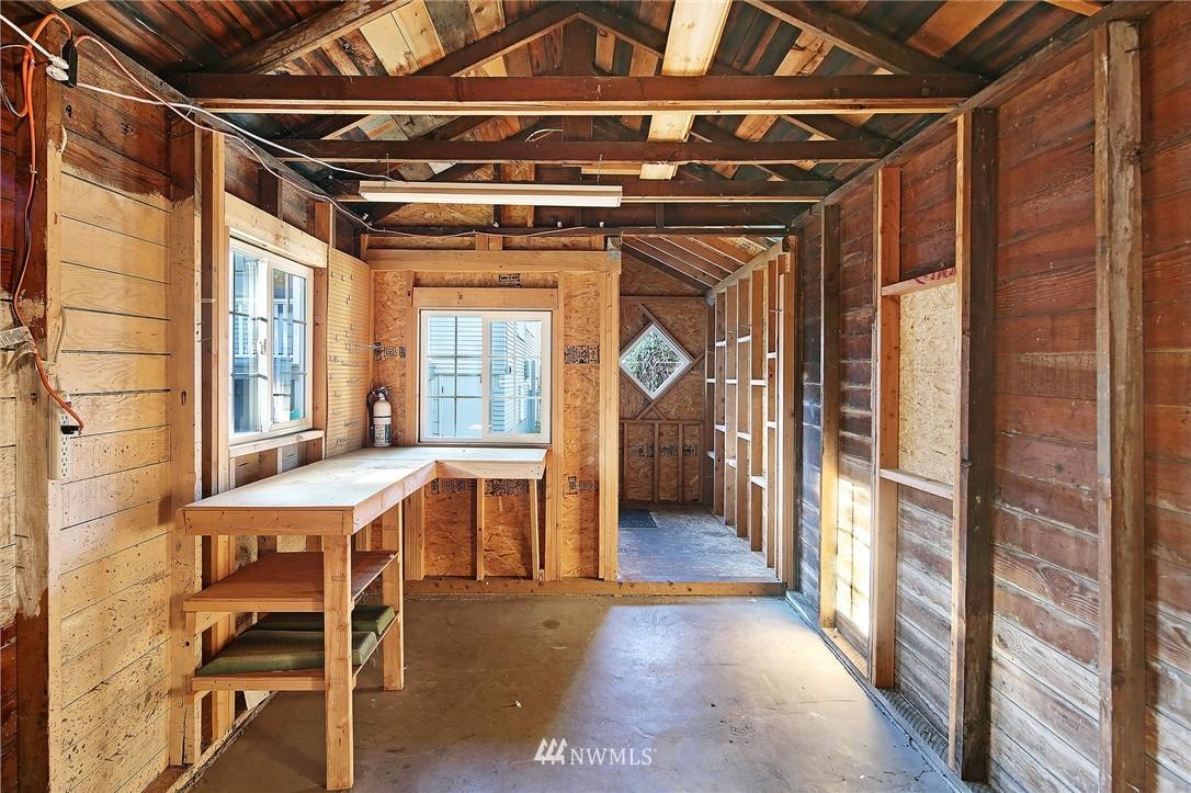 Sold Property | 10514 Dayton Avenue N Seattle, WA 98133 18