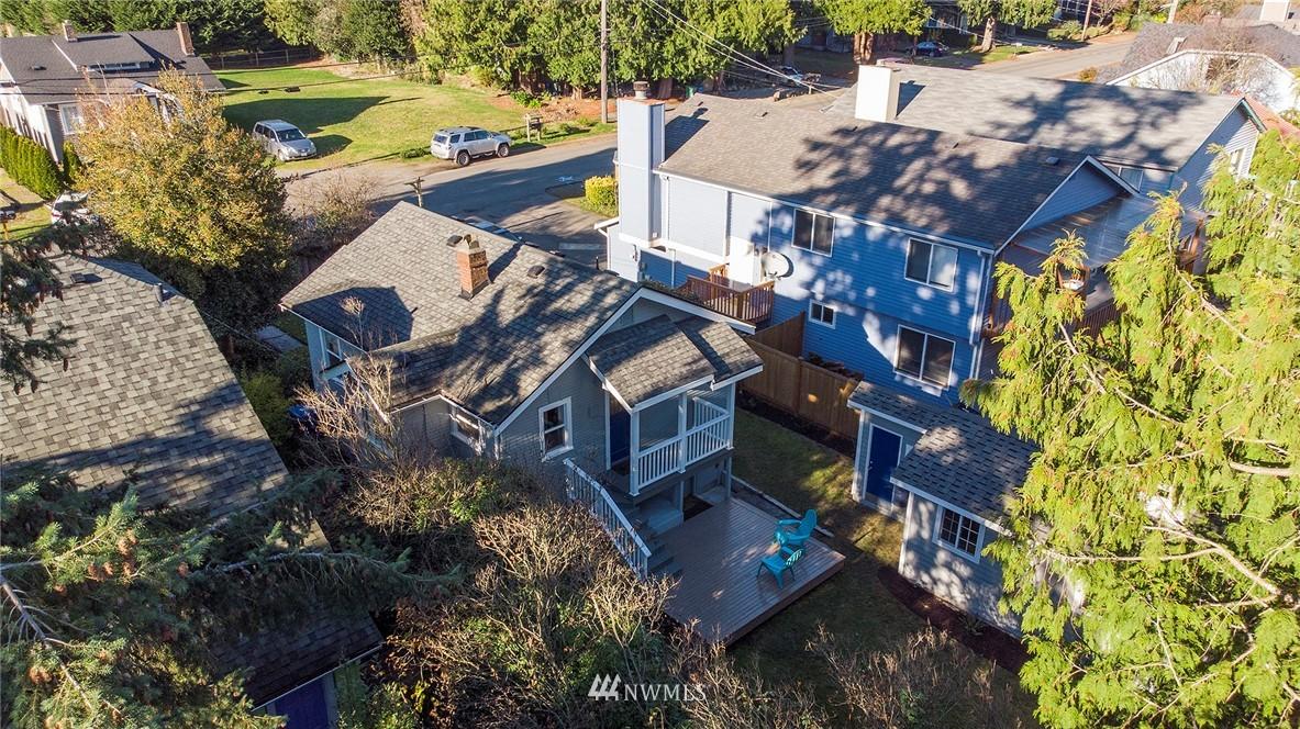 Sold Property | 10514 Dayton Avenue N Seattle, WA 98133 20