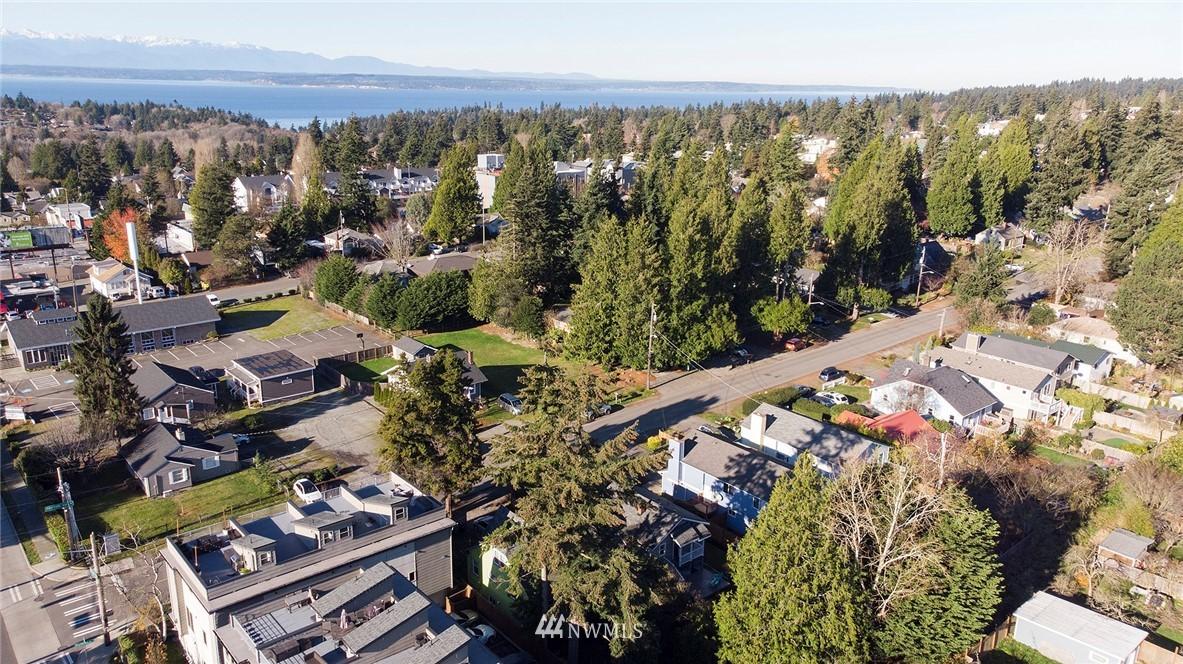 Sold Property | 10514 Dayton Avenue N Seattle, WA 98133 21