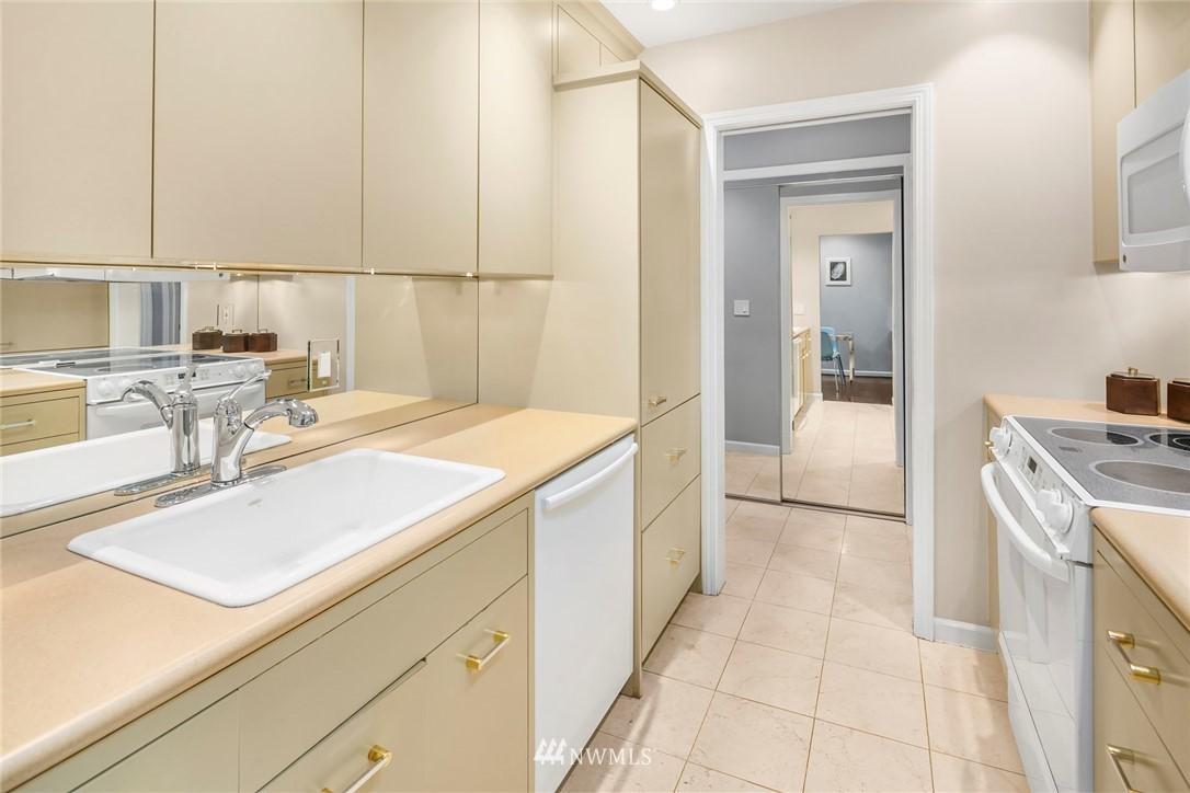 Sold Property | 730 Bellevue Avenue E #305 Seattle, WA 98102 3