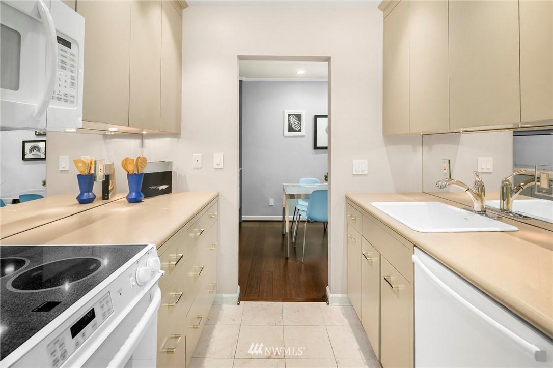 Sold Property | 730 Bellevue Avenue E #305 Seattle, WA 98102 4