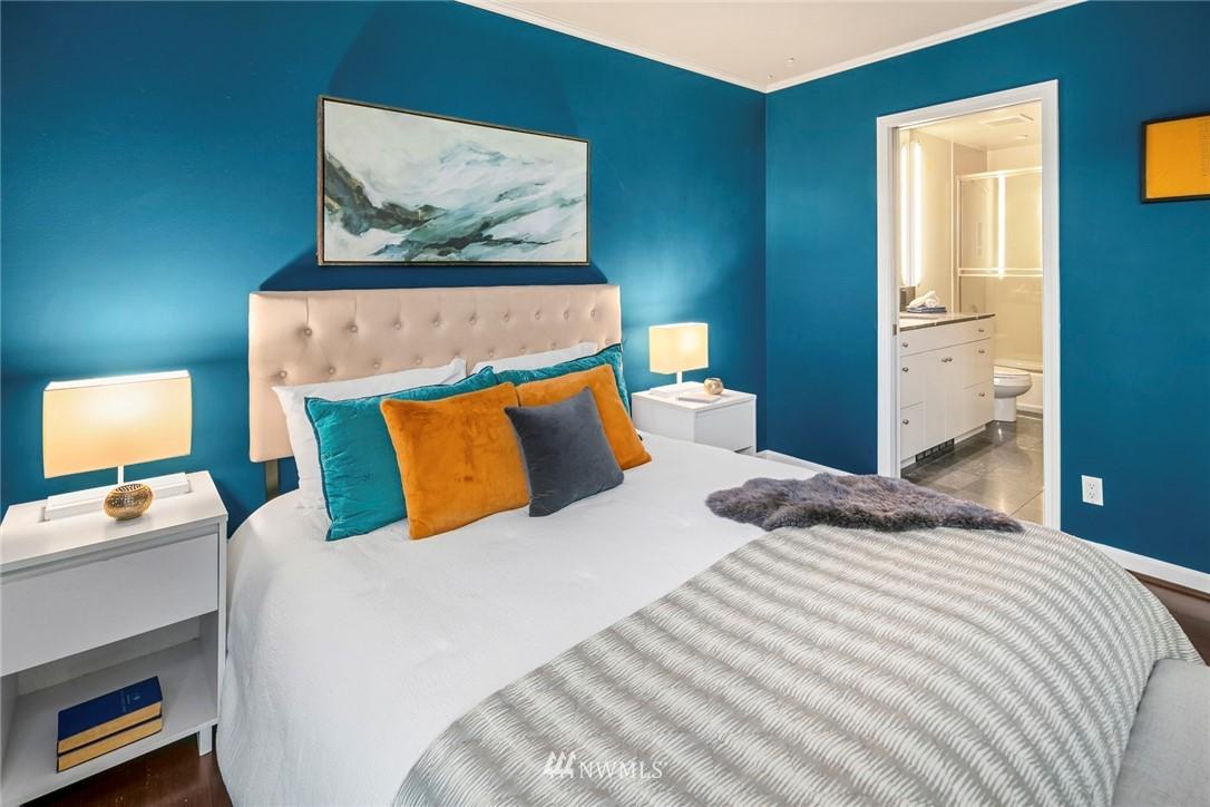 Sold Property | 730 Bellevue Avenue E #305 Seattle, WA 98102 12