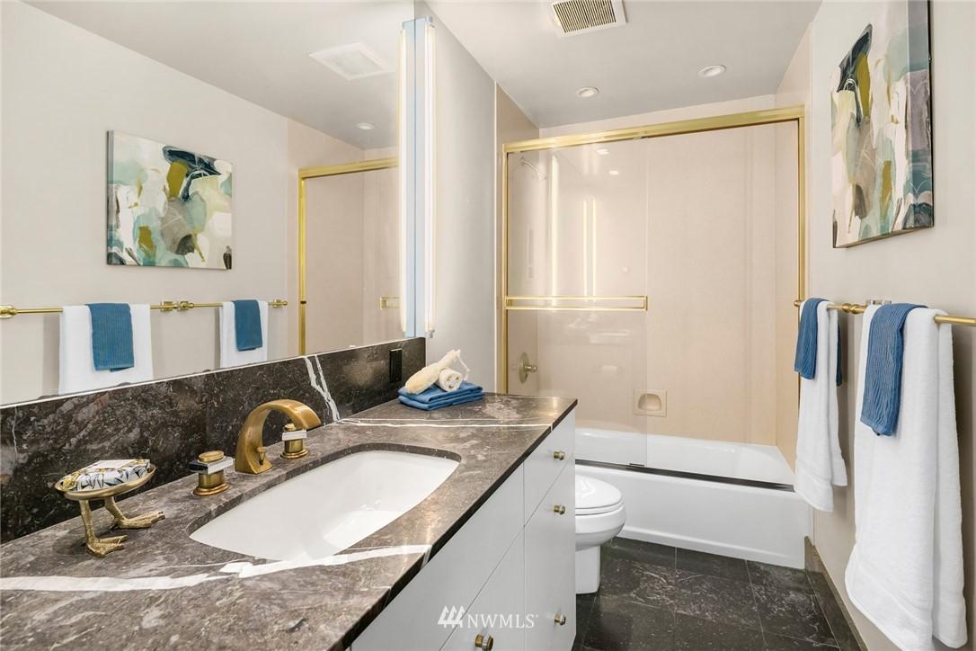 Sold Property | 730 Bellevue Avenue E #305 Seattle, WA 98102 13